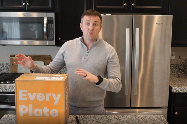 Every Plate meal delivery kit unboxing screenshot